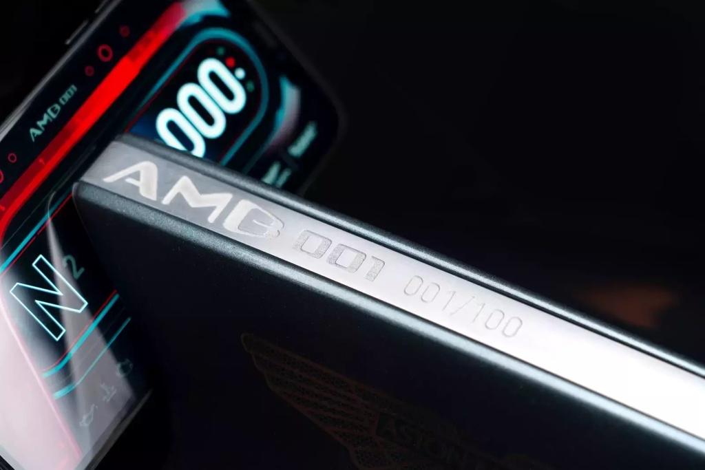 Sieu moto 120.000 USD cua Aston Martin co gi? hinh anh 9