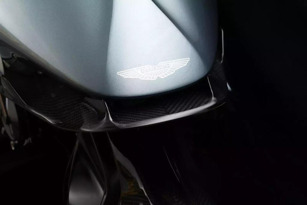 Sieu moto 120.000 USD cua Aston Martin co gi? hinh anh 4
