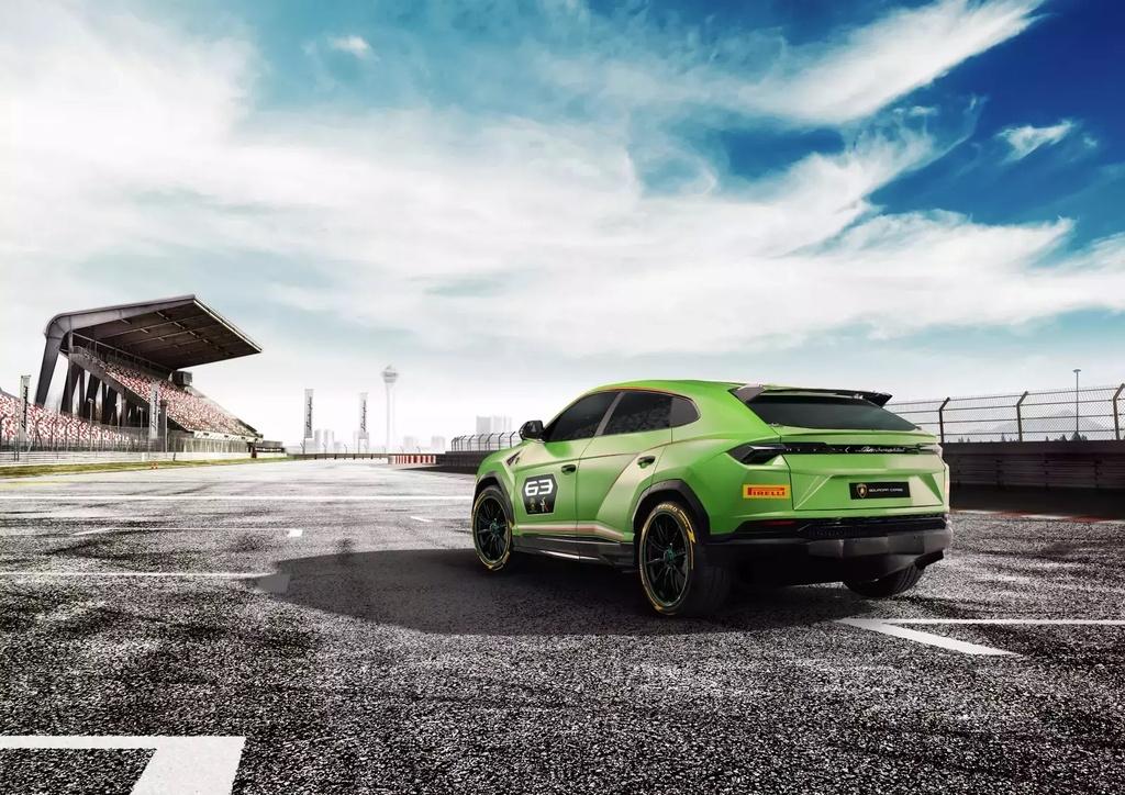 Khi sieu SUV Lamborghini Urus bien thanh xe dua hinh anh 9
