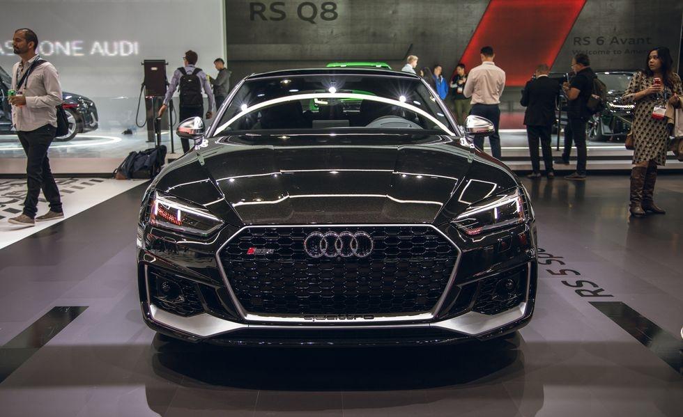 Audi RS 5 phien ban Bao Den lo dien anh 3