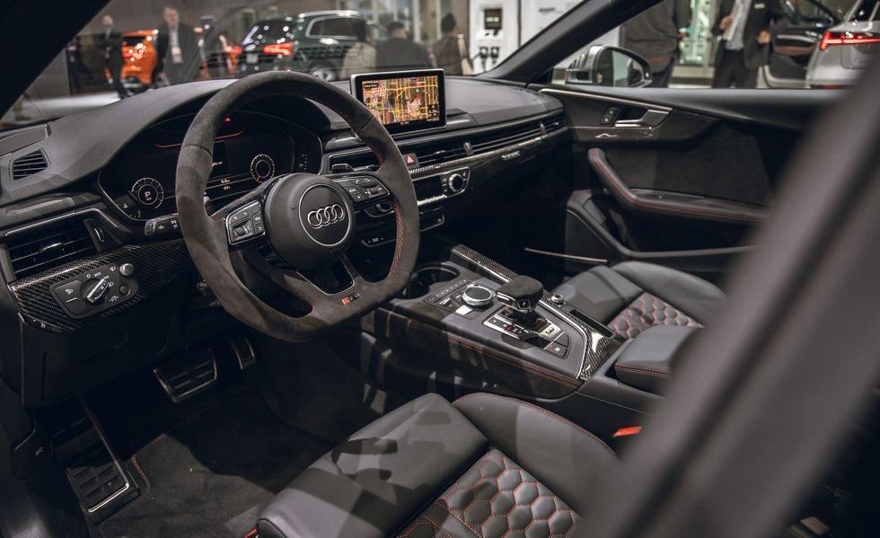 Audi RS 5 phien ban Bao Den lo dien anh 4
