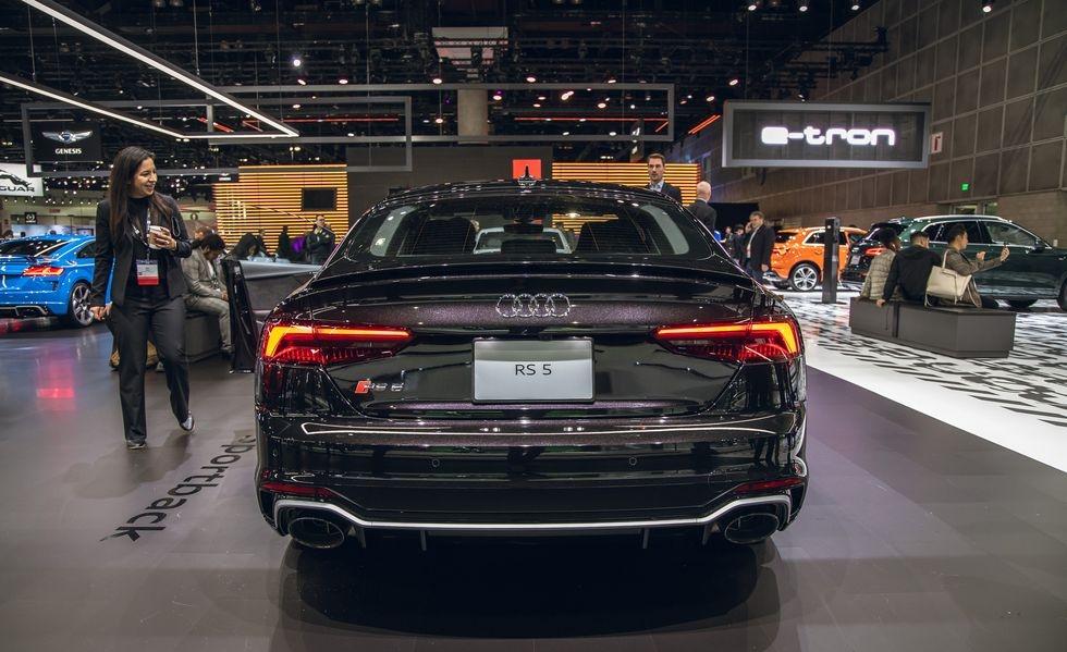 Audi RS 5 phien ban Bao Den lo dien anh 7