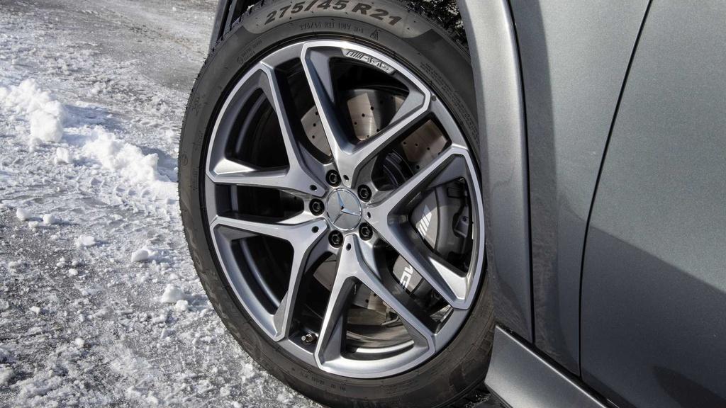 Lai thu Mercedes-AMG GLE 53 Coupe 2021 - xe manh nhung nang ne hinh anh 10