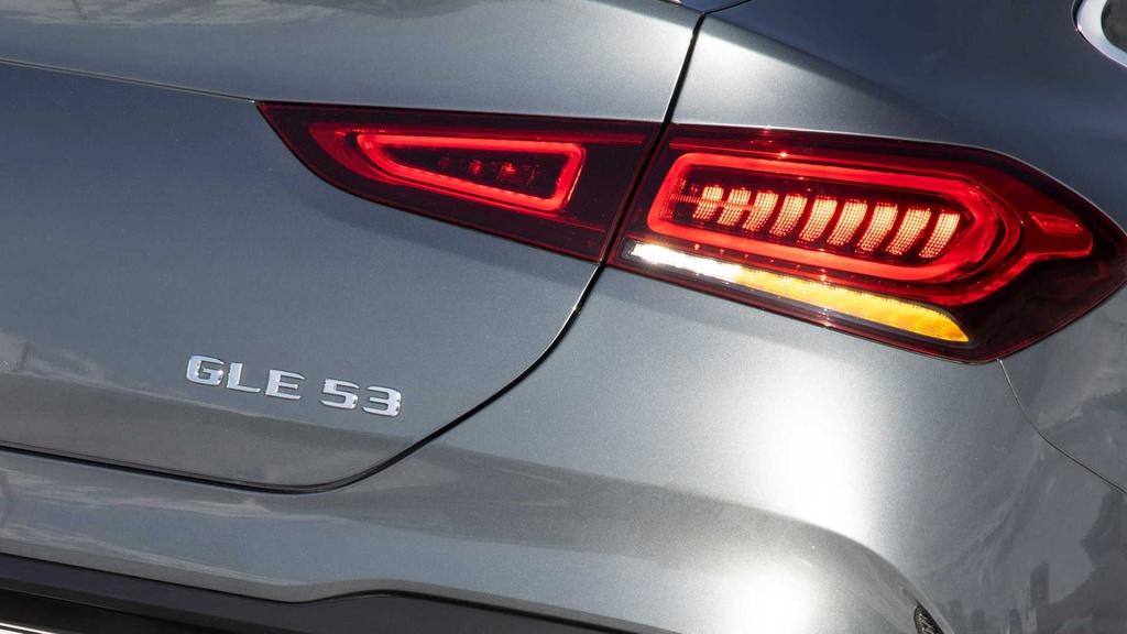 Lai thu Mercedes-AMG GLE 53 Coupe 2021 - xe manh nhung nang ne hinh anh 14