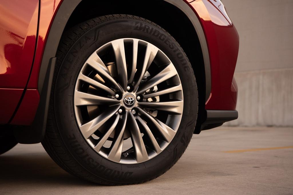 Toyota Highlander 2020 tang gia anh 27