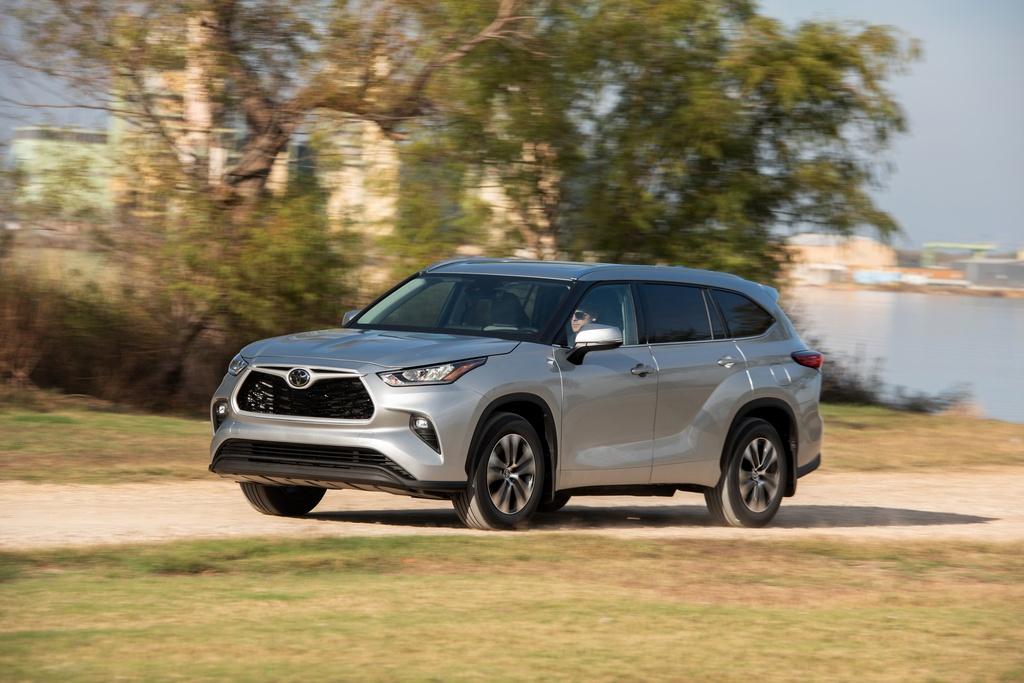 Toyota Highlander 2020 tang gia anh 9