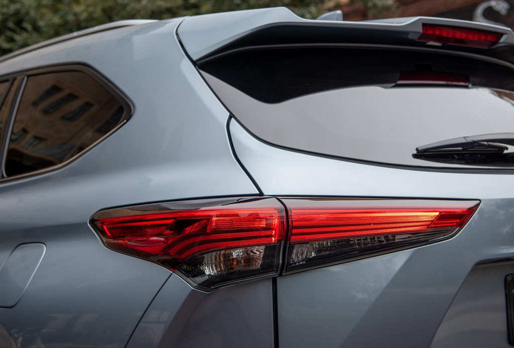 Toyota Highlander 2020 tang gia anh 24