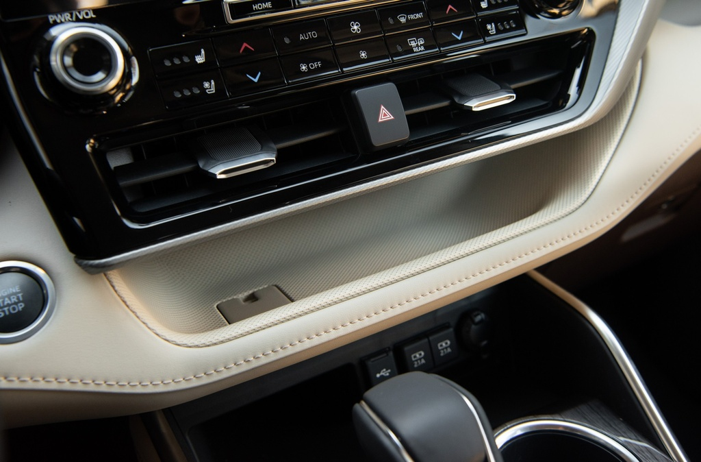 Toyota Highlander 2020 tang gia anh 30