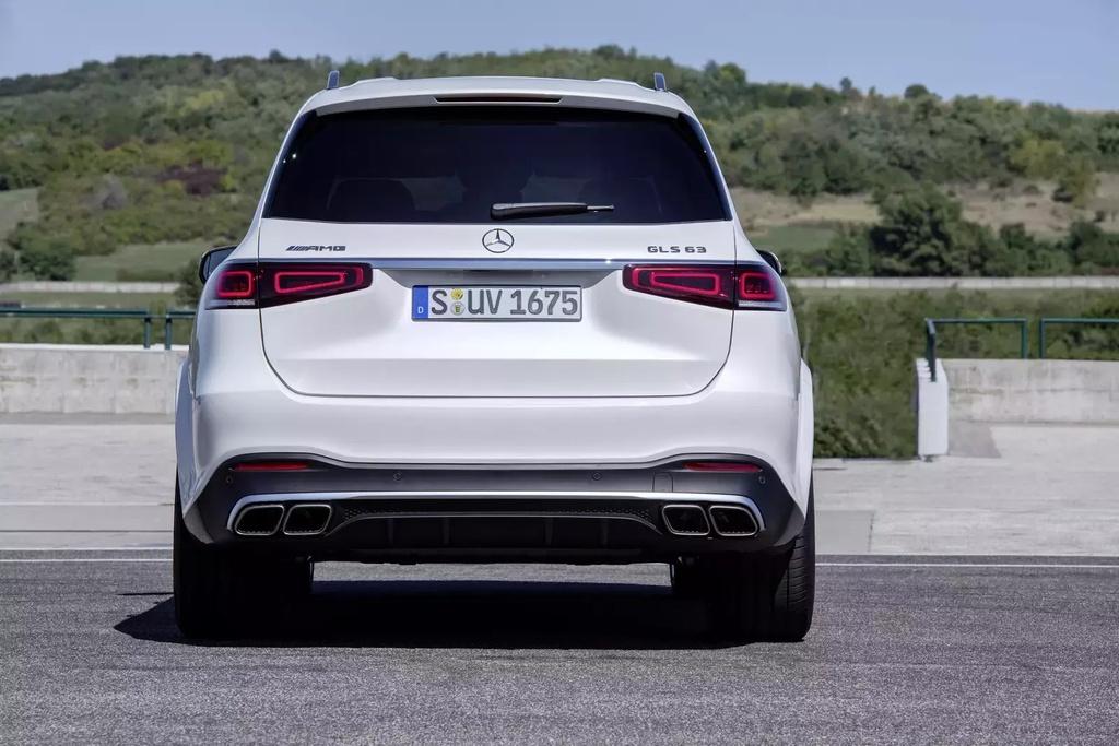 Danh gia Mercedes-Benz AMG GLS 63 2020 - SUV hang sang co doc hinh anh 3 2020_mercedes_amg_gls63_13_1600x0.jpg