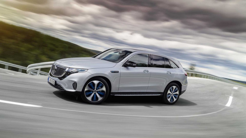 Loat xe gay that vong nhat 2019 hinh anh 17 mercedes_benz_eqc_4matic_3.jpg