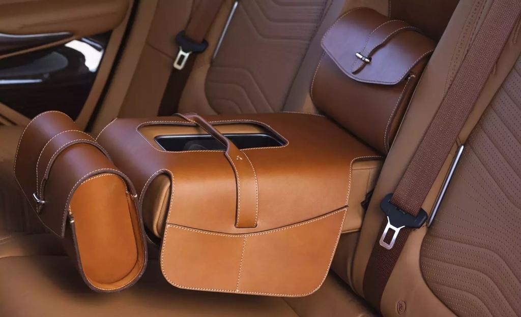 danh gia Aston Martin DBX 2020 anh 19