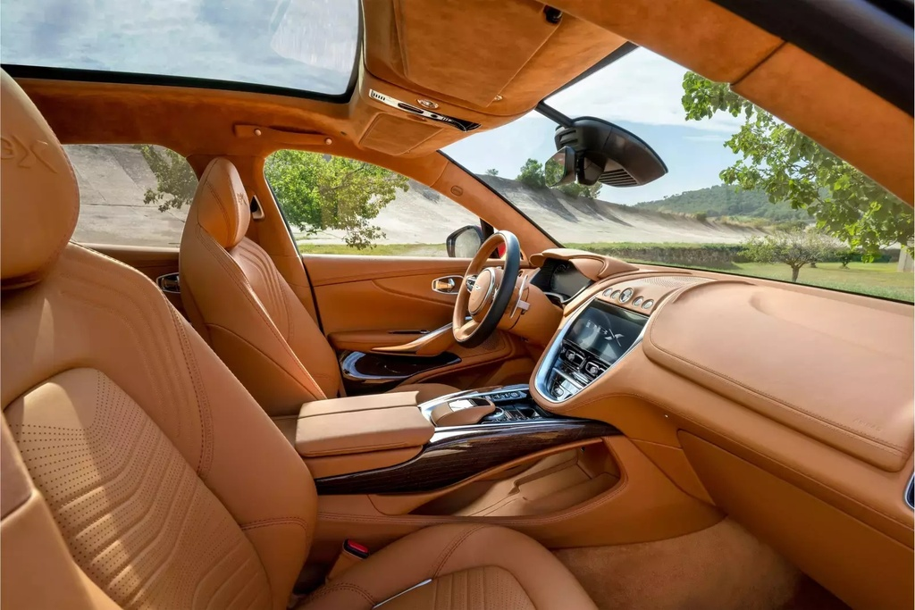 danh gia Aston Martin DBX 2020 anh 15