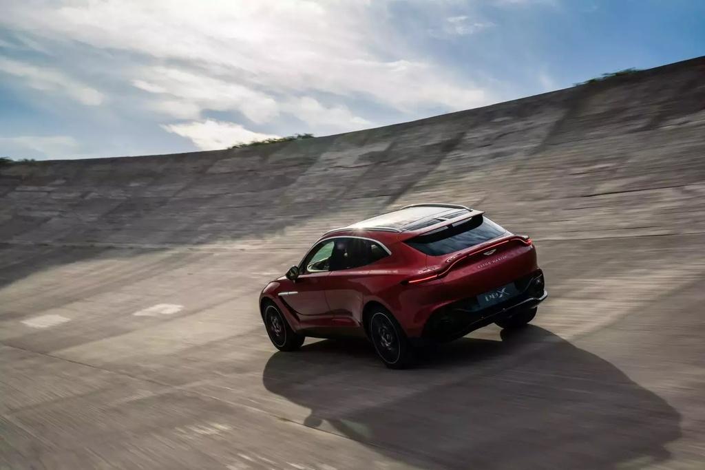 danh gia Aston Martin DBX 2020 anh 24