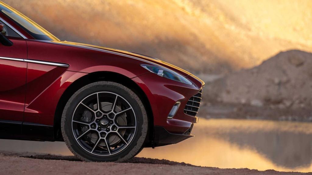 danh gia Aston Martin DBX 2020 anh 10