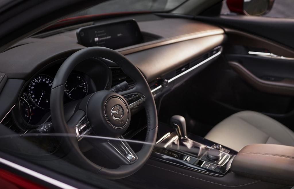 Danh gia Mazda CX-30 2020 – ban sao gam cao cua Mazda3 hinh anh 26 2020_mazda_cx_30_17_2560x1440.jpg