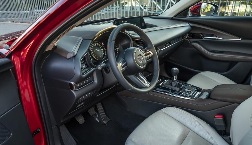 Danh gia Mazda CX-30 2020 – ban sao gam cao cua Mazda3 hinh anh 22 2020_mazda_cx_30_84_2560x1440.jpg