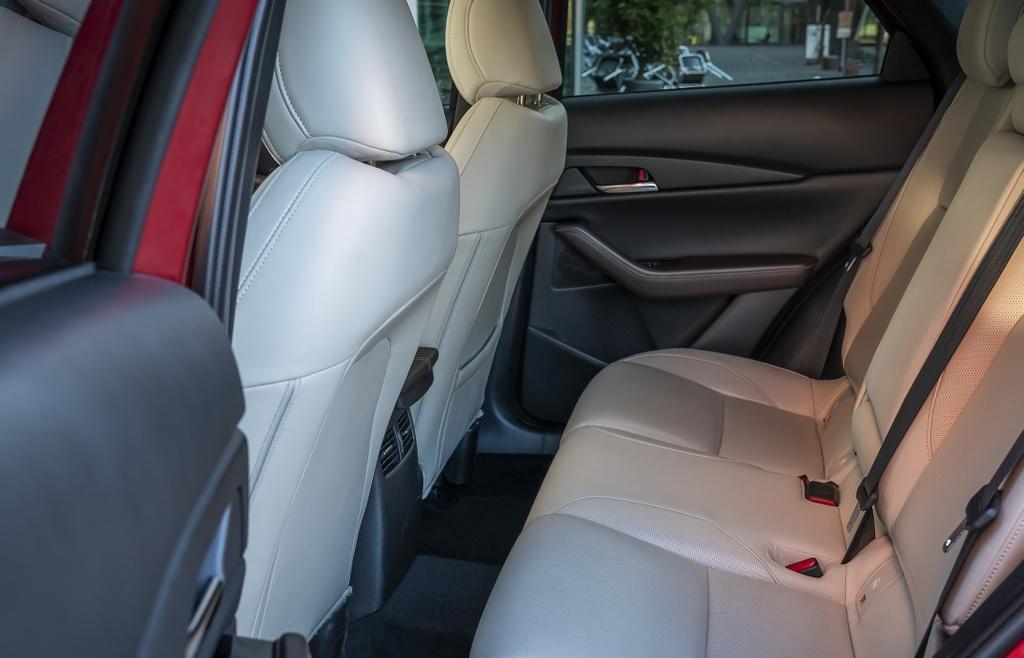 Danh gia Mazda CX-30 2020 – ban sao gam cao cua Mazda3 hinh anh 24 2020_mazda_cx_30_90_2560x1440.jpg