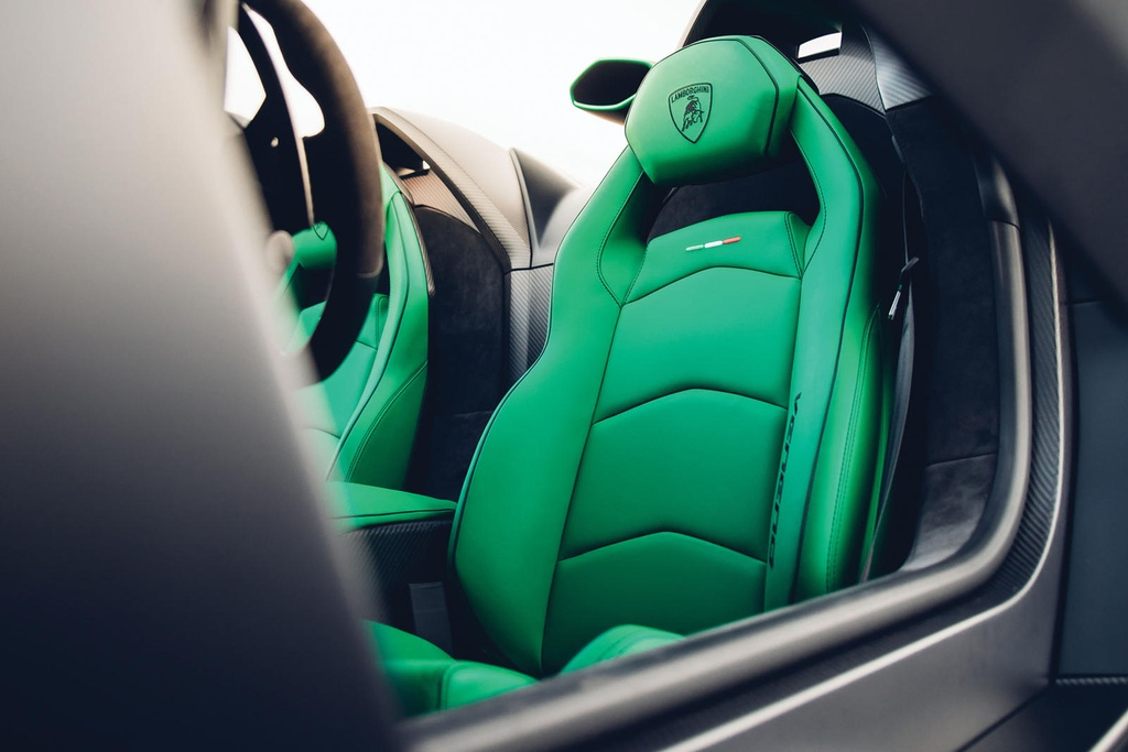 Lamborghini Veneno Roadster sieu hiem gia 5,6 trieu USD hinh anh 12 667465.jpg