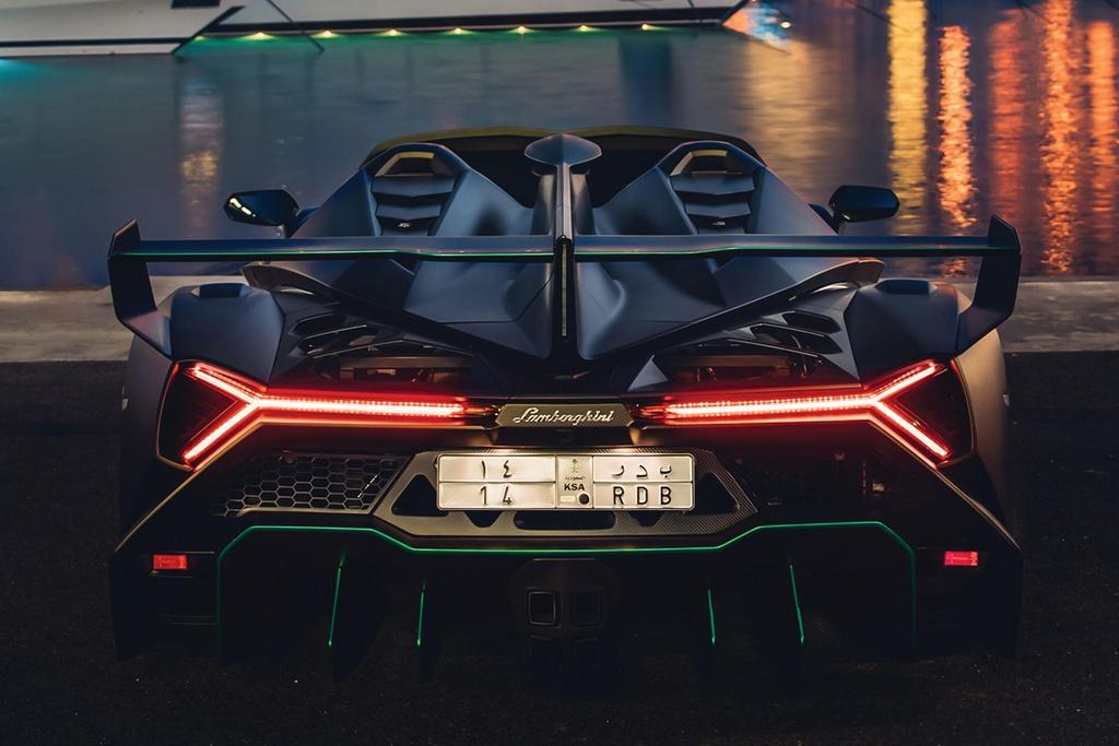 Lamborghini Veneno Roadster sieu hiem gia 5,6 trieu USD hinh anh 2 667471.jpg