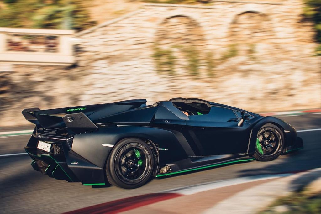 Lamborghini Veneno Roadster sieu hiem gia 5,6 trieu USD hinh anh 5 667475.jpg