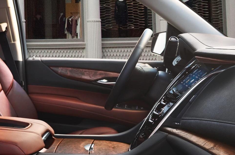 Danh gia Cadillac Escalade 2021 - SUV My ham ho, hien dai hinh anh 10 escalade_separator_img_interior_l_m.jpg