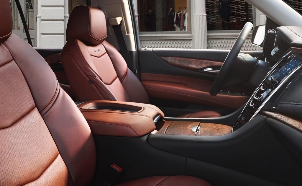 Danh gia Cadillac Escalade 2021 - SUV My ham ho, hien dai hinh anh 12 vehicles_escalade_esv_gallery_interior_01.jpg