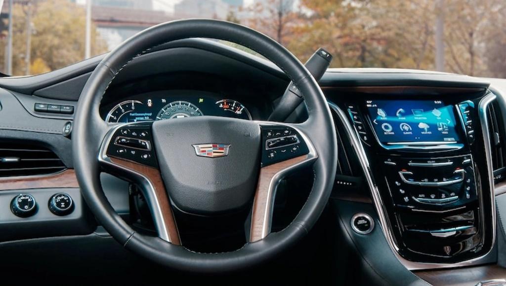 Danh gia Cadillac Escalade 2021 - SUV My ham ho, hien dai hinh anh 4 vehicles_escalade_esv_gallery_interior_02.jpg