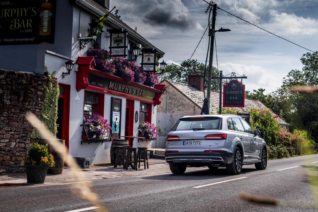 Audi Q7 2020 co them ban gia re hinh anh 9 2020_Audi_Q7_11.jpg