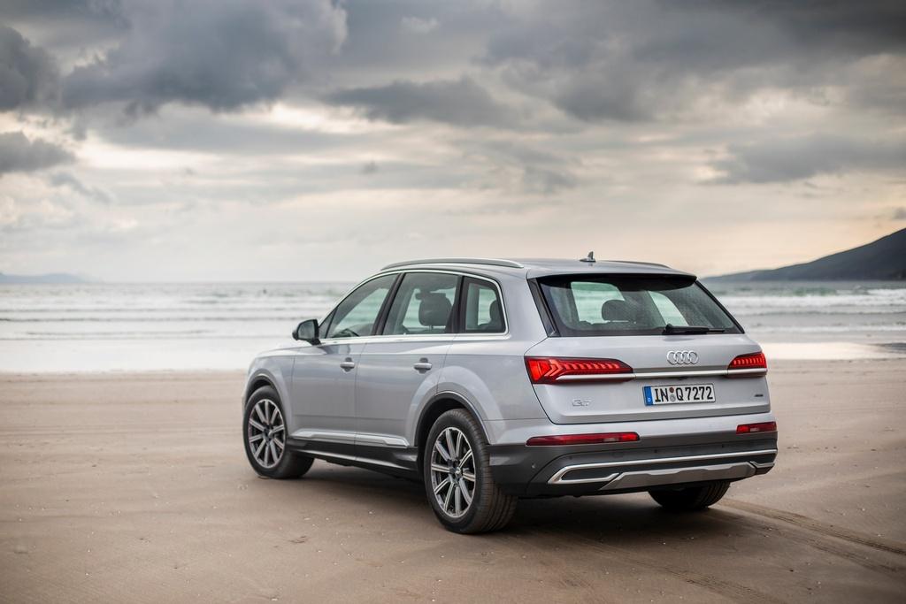 Audi Q7 2020 co them ban gia re hinh anh 2 2020_Audi_Q7_12.jpg