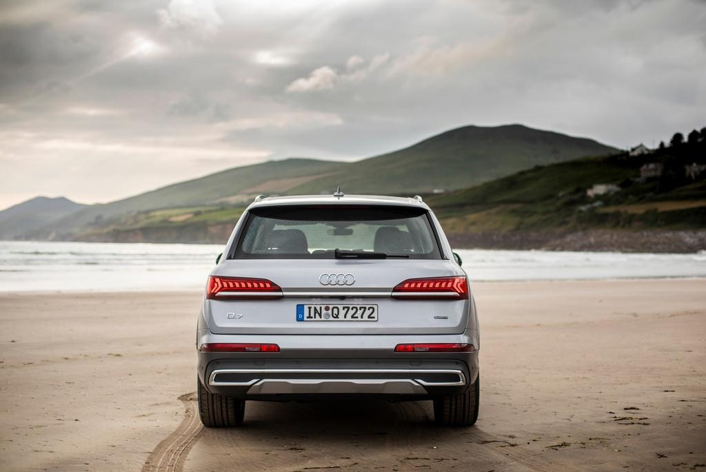 Audi Q7 2020 co them ban gia re hinh anh 3 2020_Audi_Q7_15.jpg