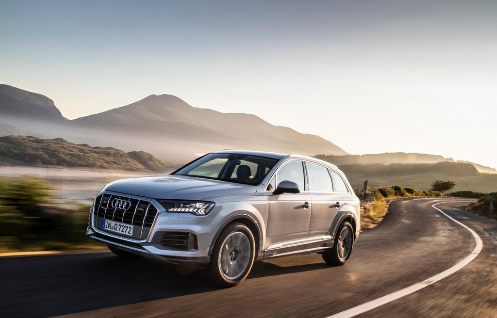 Audi Q7 2020 co them ban gia re hinh anh 1 2020_Audi_Q7_16.jpg