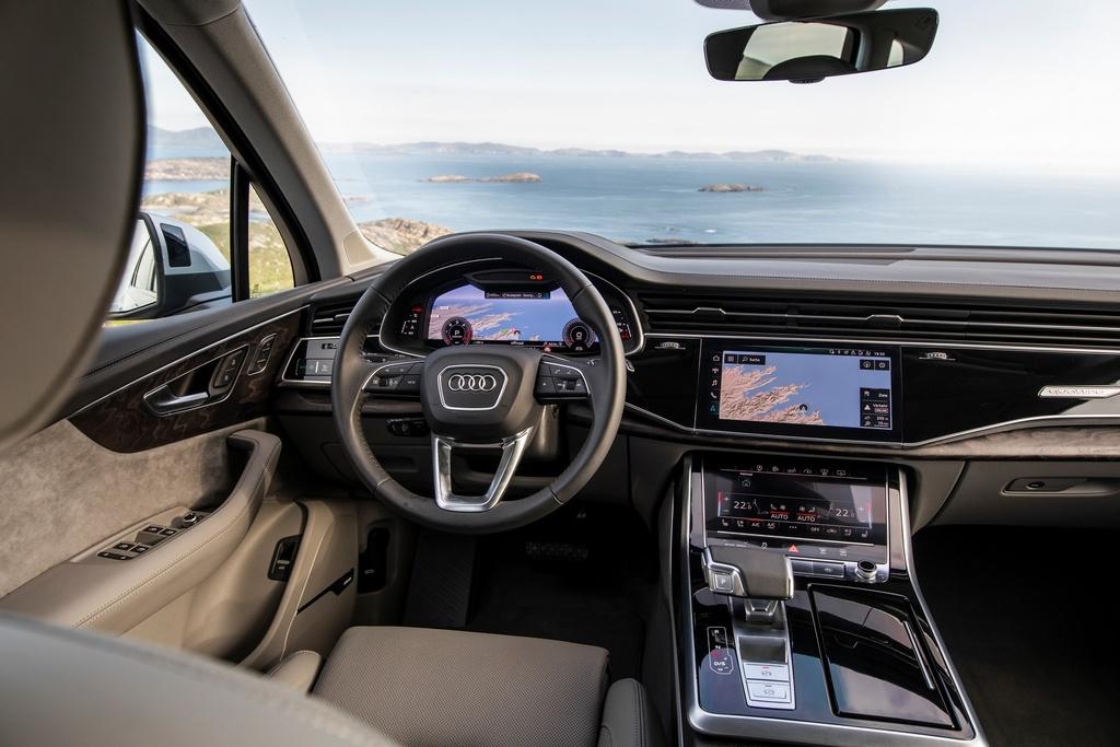 Audi Q7 2020 co them ban gia re hinh anh 10 2020_Audi_Q7_5.jpg