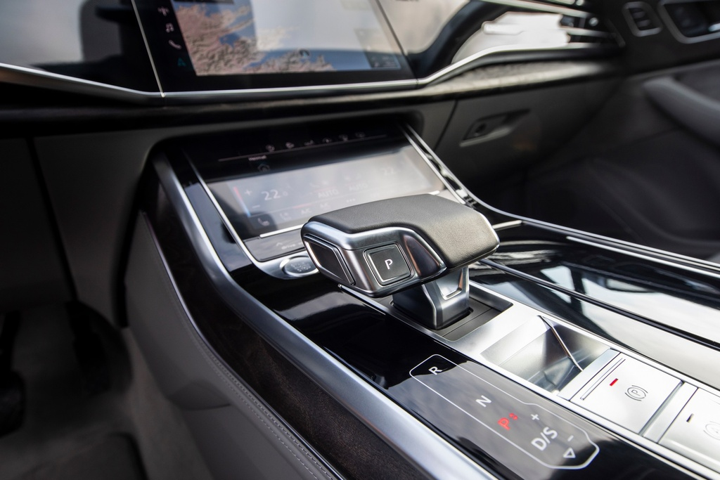Audi Q7 2020 co them ban gia re hinh anh 15 2020_Audi_Q7_7.jpg