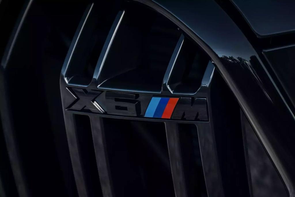 Danh gia BMW X6 M 2020 – SUV hieu suat cao dung chat hinh anh 17 2020_bmw_x6_m_27_1600x0.jpg