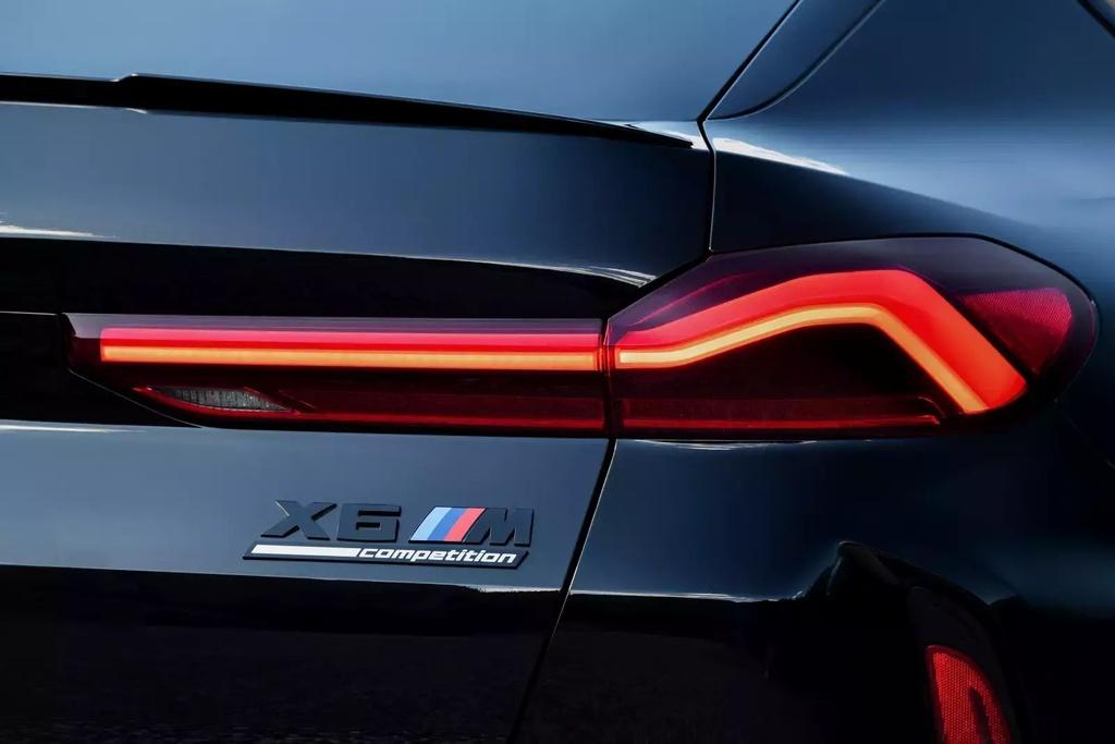 Danh gia BMW X6 M 2020 – SUV hieu suat cao dung chat hinh anh 13 2020_bmw_x6_m_31_1600x0.jpg