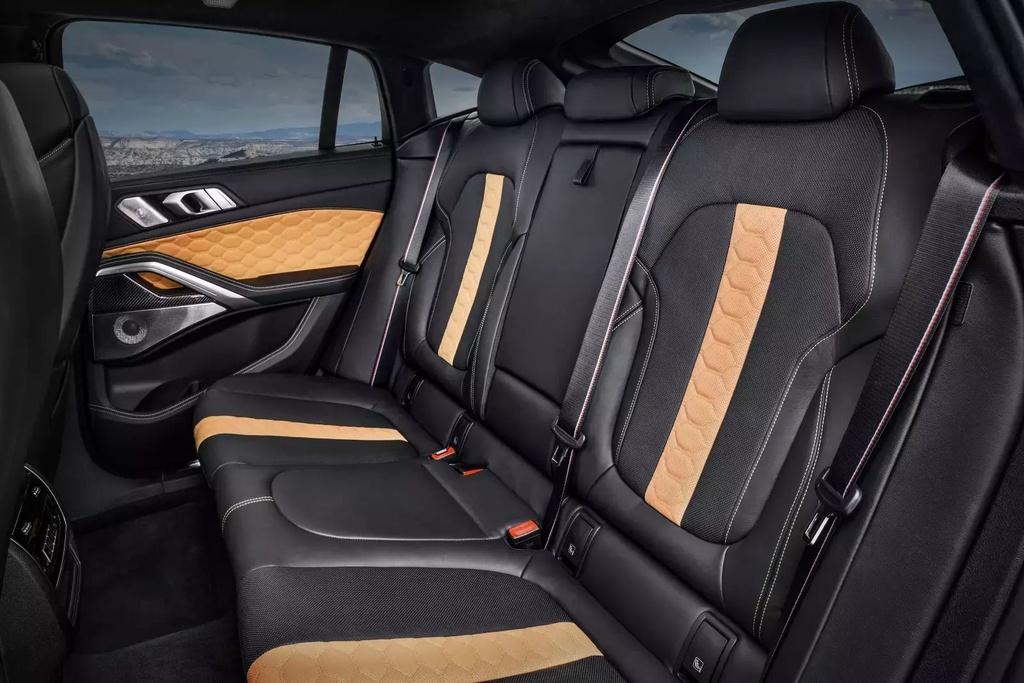 Danh gia BMW X6 M 2020 – SUV hieu suat cao dung chat hinh anh 20 2020_bmw_x6_m_38_1600x0.jpg
