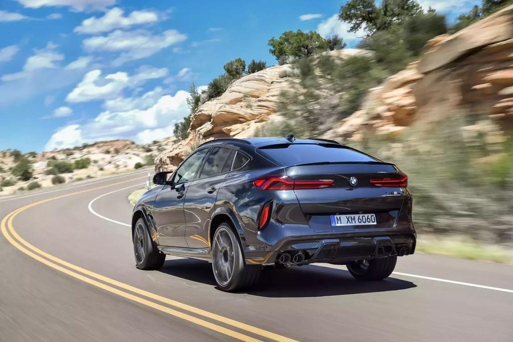 Danh gia BMW X6 M 2020 – SUV hieu suat cao dung chat hinh anh 4 2020_bmw_x6_m_60_1600x0.jpg