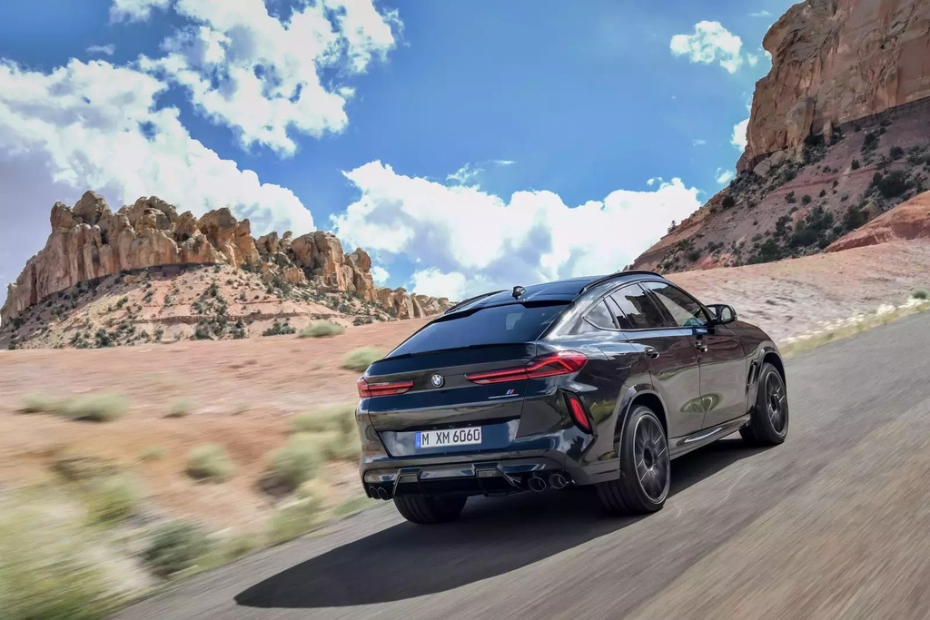 Danh gia BMW X6 M 2020 – SUV hieu suat cao dung chat hinh anh 11 2020_bmw_x6_m_62_1600x0.jpg