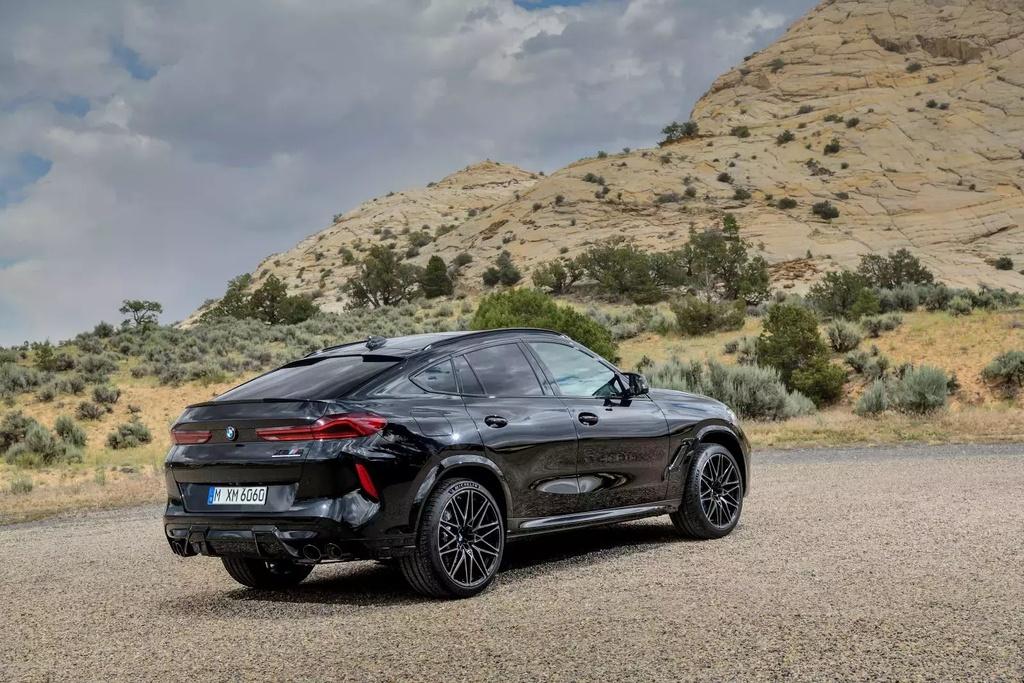 Danh gia BMW X6 M 2020 – SUV hieu suat cao dung chat hinh anh 42 2020_bmw_x6_m_69_1600x0.jpg