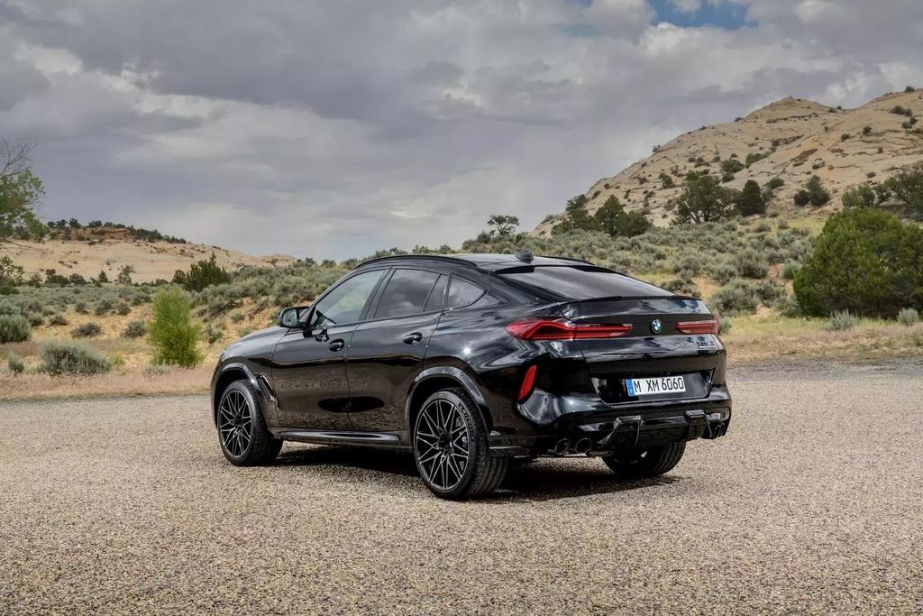 Danh gia BMW X6 M 2020 – SUV hieu suat cao dung chat hinh anh 41 2020_bmw_x6_m_70_1600x0.jpg