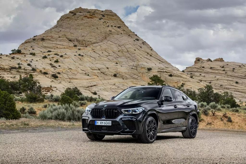 Danh gia BMW X6 M 2020 – SUV hieu suat cao dung chat hinh anh 2 2020_bmw_x6_m_71_1600x0.jpg