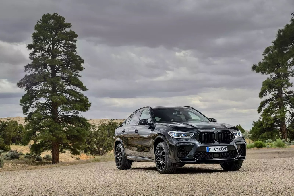 Danh gia BMW X6 M 2020 – SUV hieu suat cao dung chat hinh anh 1 2020_bmw_x6_m_73_1600x0.jpg