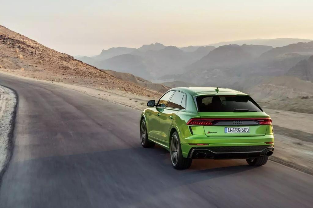 Danh gia Audi RS Q8 2020 - du suc sanh ngang Lamborghini Urus? hinh anh 32 2020_audi_rs_q8_72_1600x0_14_.jpg