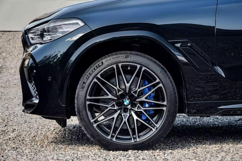 Danh gia Audi RS Q8 2020 - du suc sanh ngang Lamborghini Urus? hinh anh 45 2020_bmw_x6_m_29_1600x0.jpg
