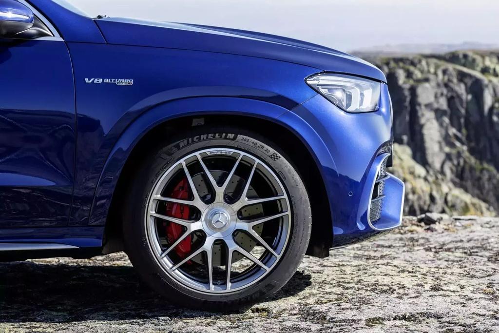 Danh gia Audi RS Q8 2020 - du suc sanh ngang Lamborghini Urus? hinh anh 76 2021_mercedes_amg_gl_28_1600x0.jpg
