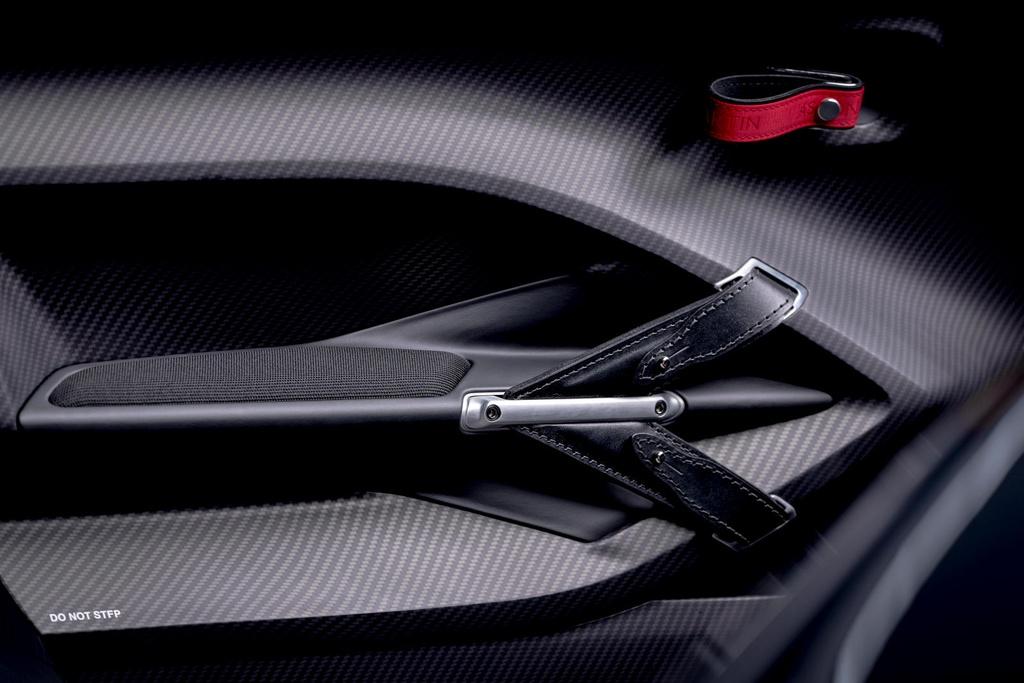 Aston Martin V12 Speedster - sieu xe doc la, gia 1 trieu USD hinh anh 12 684639.jpg