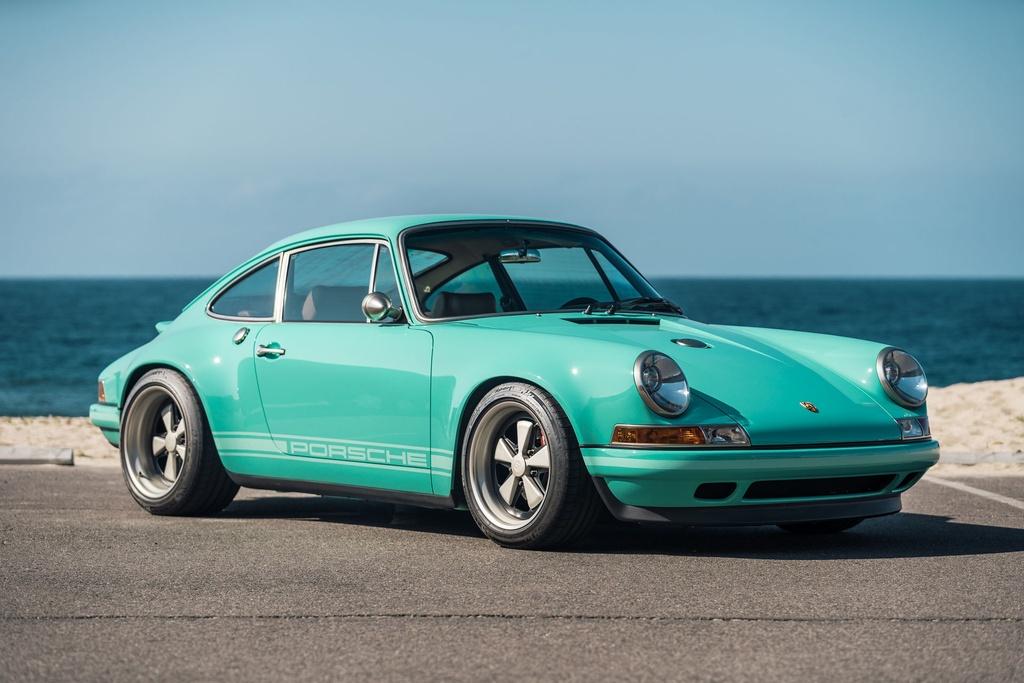 Porsche 911 doi 1991 duoc rao ban 875.000 USD anh 1