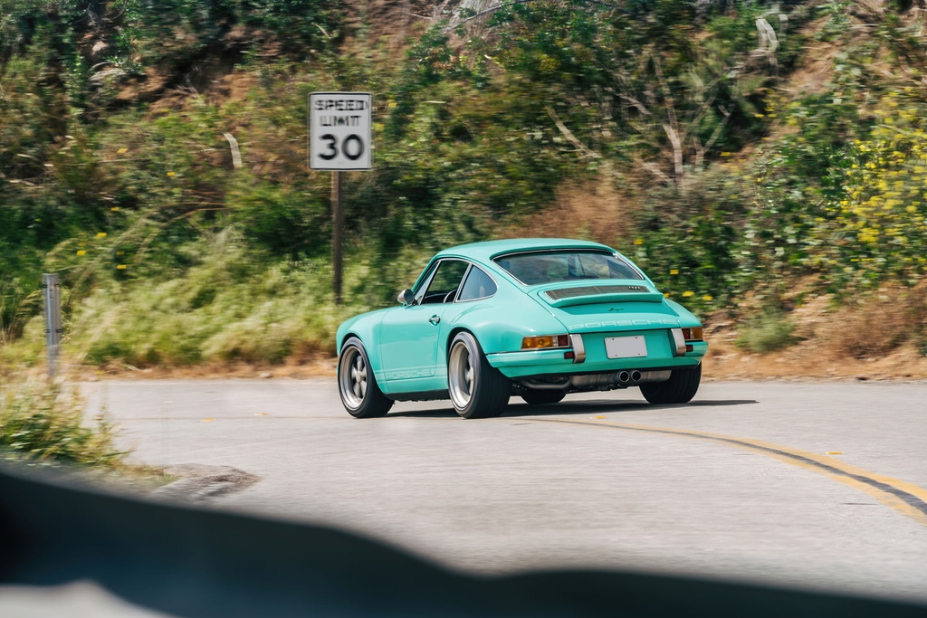 Porsche 911 doi 1991 duoc rao ban 875.000 USD anh 7