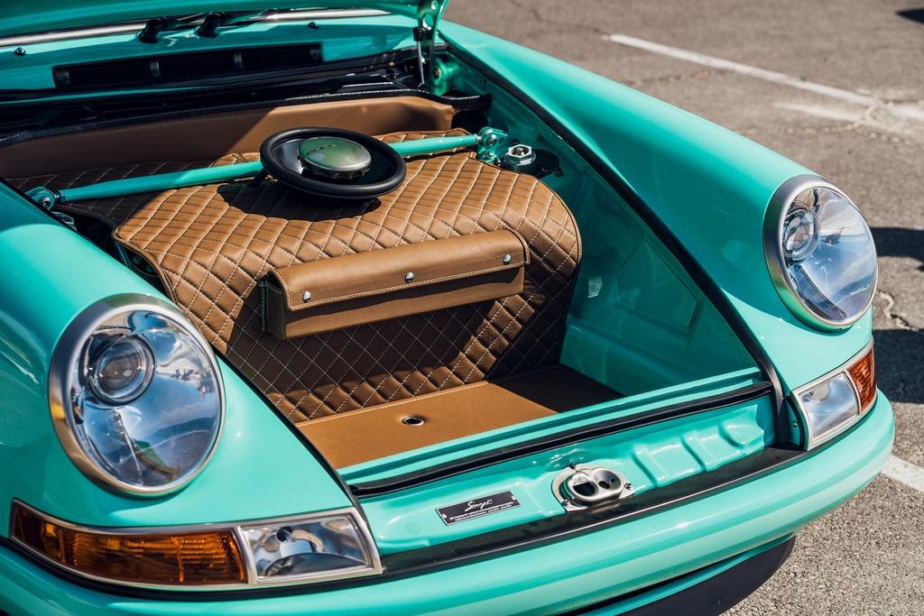 Porsche 911 doi 1991 duoc rao ban 875.000 USD anh 22