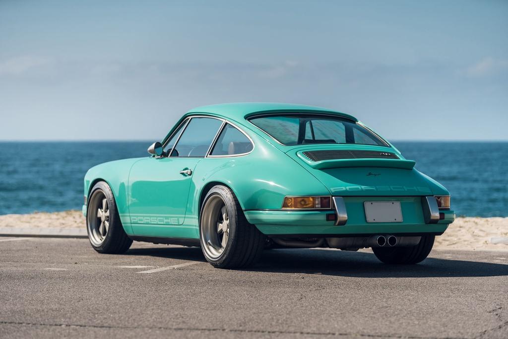 Porsche 911 doi 1991 duoc rao ban 875.000 USD anh 2